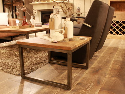 Loyd hoek-/salontafel met teakhouten blad
