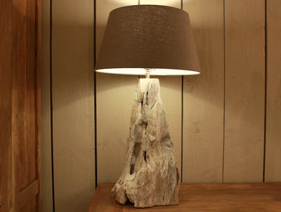 Boomstam tafellamp