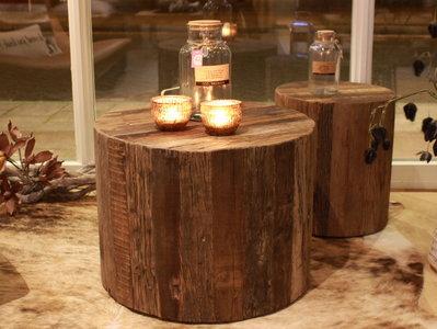 Ronde salon of bijzettafel van gerecycled oud hout rienties